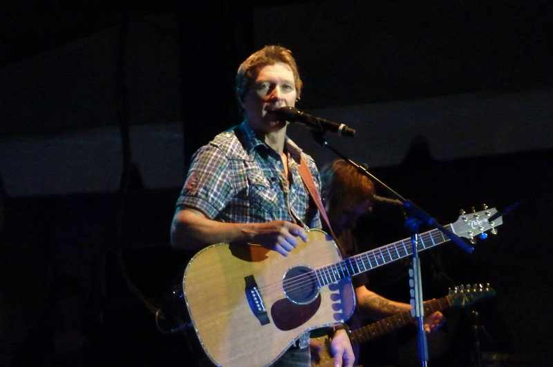 Craig Morgan Singing at The Kelly Clarkson Show Will Make You Cry
