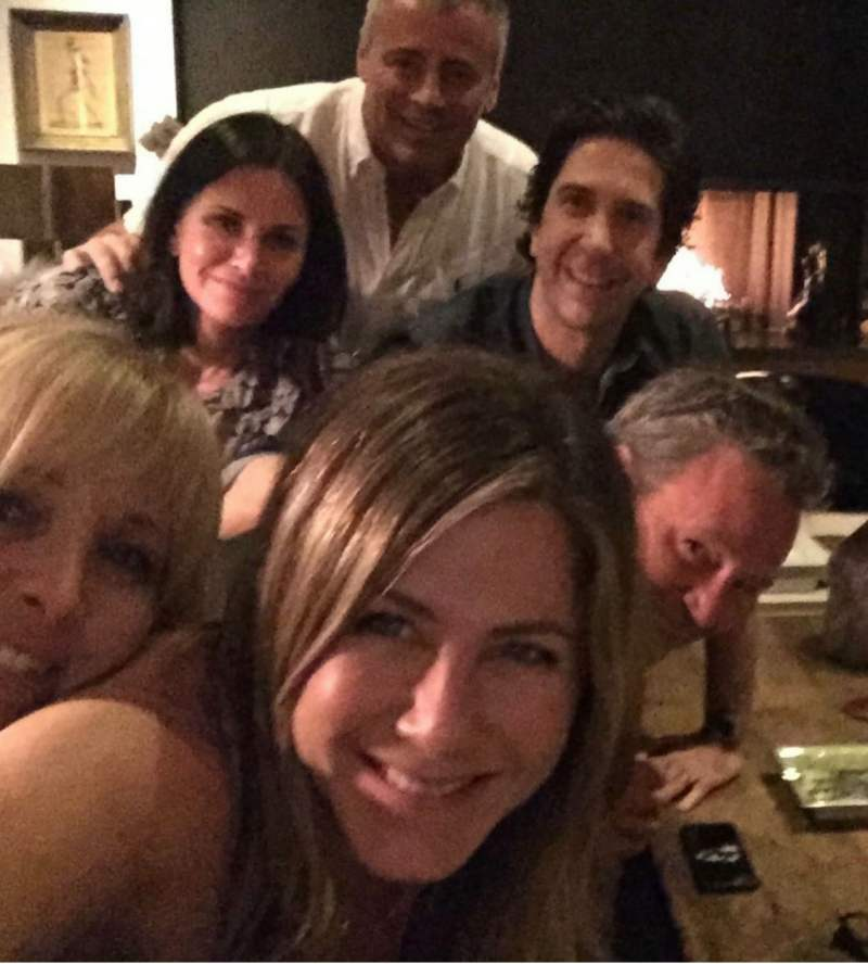 Jennifer Aniston is Now on Instagram with her Friends