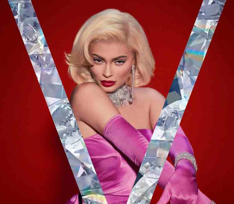 Kylie Jenner is Marilyn Monroe on Her Fourth Halloween Costume